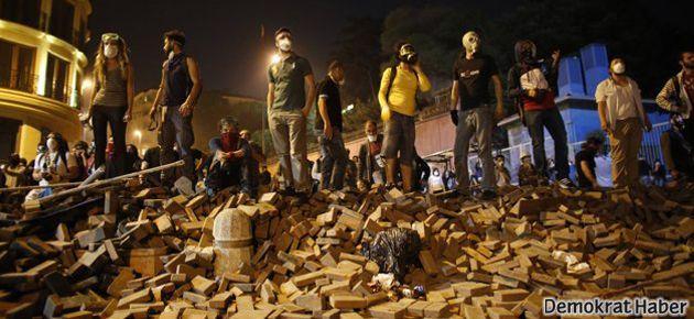 Gezi'ye destek veren bir gazeteci daha kovuldu