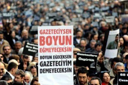 Gözaltındaki gazeteciler açlık grevinde