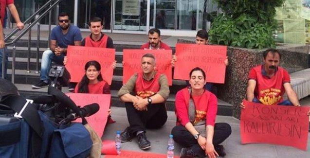 Grup Yorum, konser yasağına karşı oturma eylemine başladı