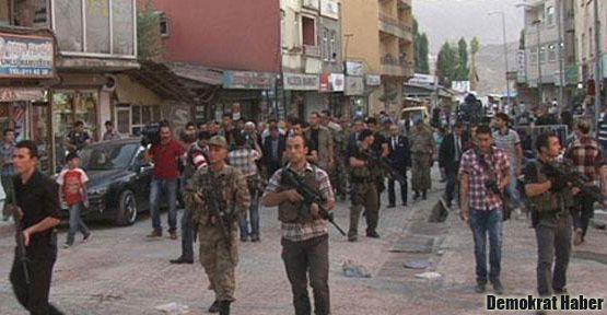 Hakkari'de Bakan Şahin'e saldırı