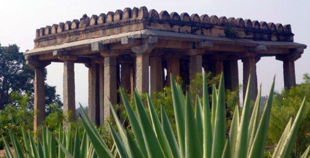 HAMPİ: Tapınaklar Diyarı