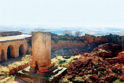 Hapisnas Köyü'ndeki manastır yok olmak üzere