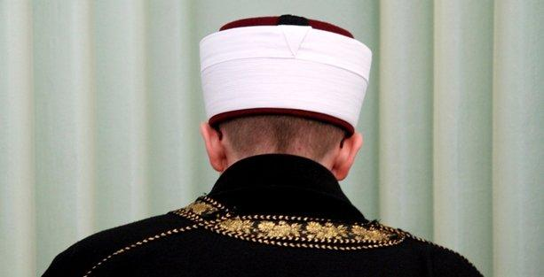 Aile Bakanlığı psikologları iptal edip imam kadrosu açtı