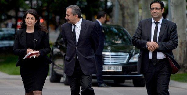 HDP heyeti Kandil'e 'yol haritası'yla mı gidiyor?