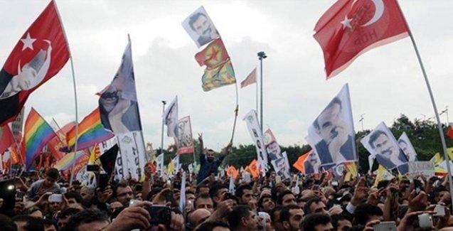 Times: 'Erdoğan'ın Türkiye'ye baskı rejimi dayatma girişimi ağır bir darbe aldı'