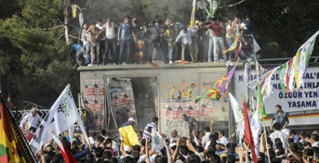 4 kişinin öldüğü yüzlerce kişinin yaralandığı HDP mitingindeki bombalı saldırıyla ilgili 1 tutuklama