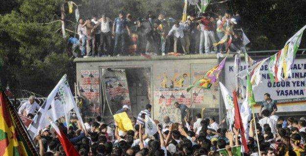 HDP'nin Diyarbakır mitingine yönelik saldırıya gizlilik kararı!
