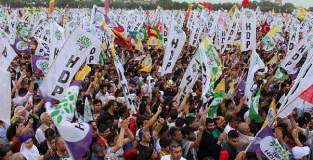 HDP'nin yeni yaşam çağrısına Kazlıçeşme'de yüz binler yanıt veriyor