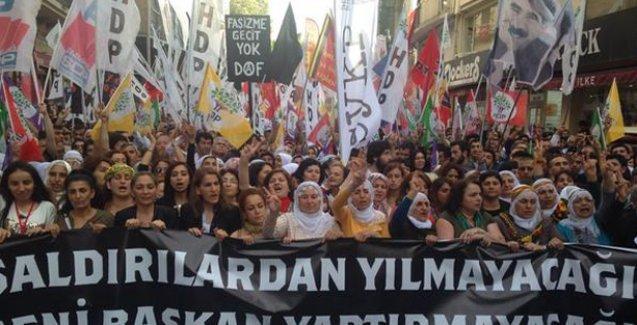 HDP'ye saldırı Taksim'de protesto edildi
