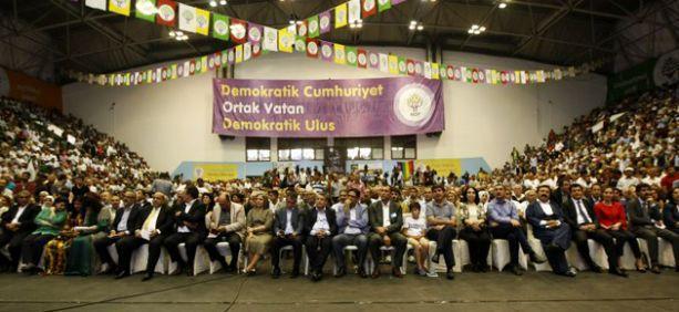 HDP'de eşbaşkanlar kadın olabilecek