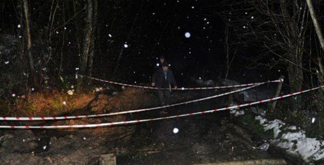 Heyelan 70 köy yolunu kapattı