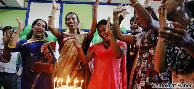 Hindistan'da translar üçüncü cins olarak kabul edildi