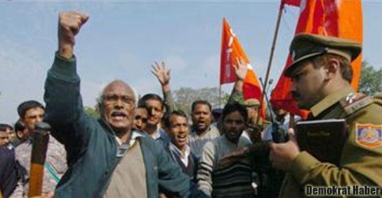 Hindistan'da yolsuzluk protestosu