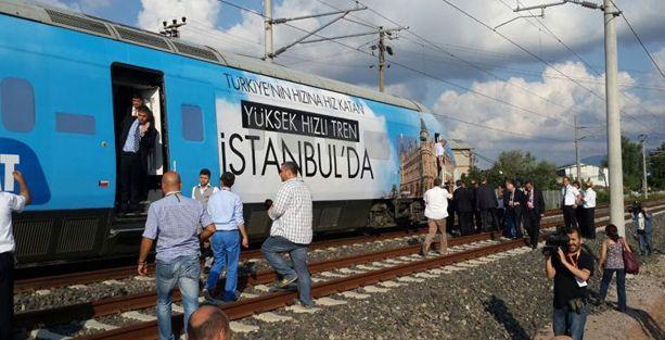 Hızlı tren yine yolda kaldı