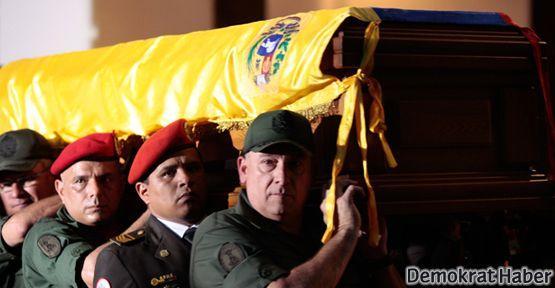 Hugo Chavez mumyalanmayacak