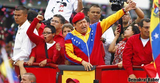 Hugo Chavez yeniden aday oldu