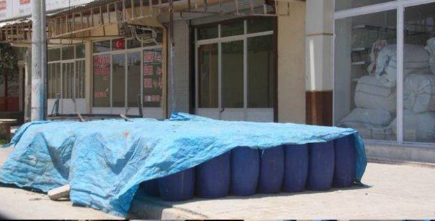 'İçinde kimyasal olduğu öne sürülen variller IŞİD'e gönderilmek üzere Akçakale'de bekletiliyor'