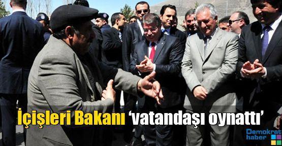 İçişleri Bakanı 'vatandaşı oynattı'