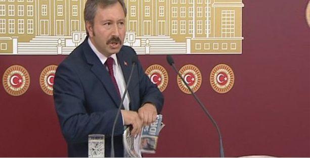 İdris Bal, Meclis kürsüsünde Star gazetesini yırttı