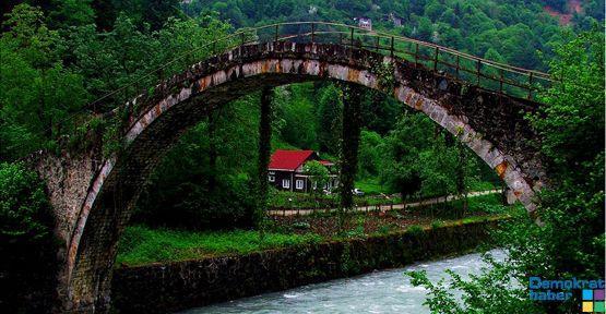 İdris Melek: O tarihi köprü yıkılırsa