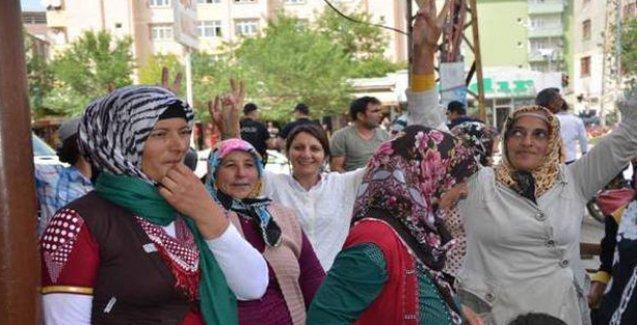 Iğdırlı kadınlar Erdoğan'a sırtlarını döndü