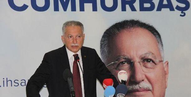 İhsanoğlu MHP'nin iftarında: 'Teröristlerle anlaşmalar yapılıyor'