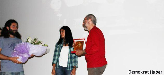 İLEF Evrim Alataş Ödülü Ümit Kıvanç'a verildi