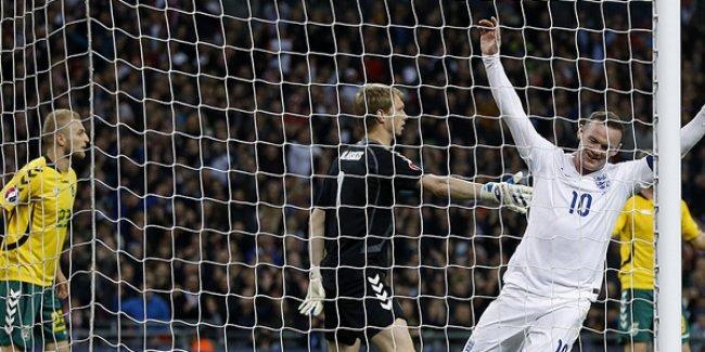 İngiltere 4'ledi, İspanya tek golle geçti
