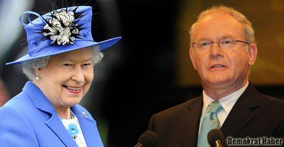 Kraliçe IRA komutanı ile el sıkıştı