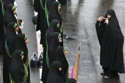 İran, -şimdilik- iddia edildiği gibi bir canavar değil