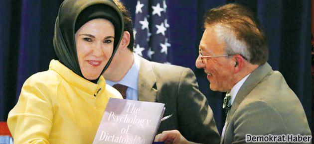 İranlı profesör 'Diktatörlük' kitabı için ne dedi?