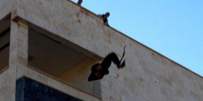 IŞİD bir kişiyi daha eşcinsel olduğu gerekçesiyle çatıdan atarak vahşice katletti!