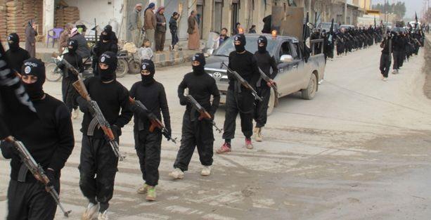 IŞİD, kadınların dışarı çıkmasını yasakladı