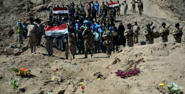 IŞİD'den temizlenen Tikrit'te 12 toplu mezar bulundu