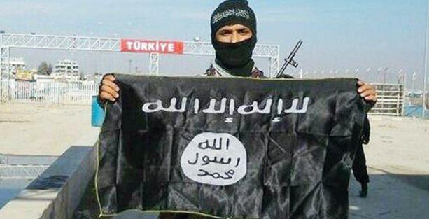 IŞİD'e katılan çocuklarının peşindeler