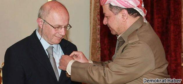 İsmail Beşikci'ye Barzani Madalyası verildi