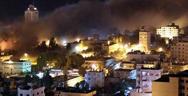 İsrail'den camiye füze: En az 15 ölü