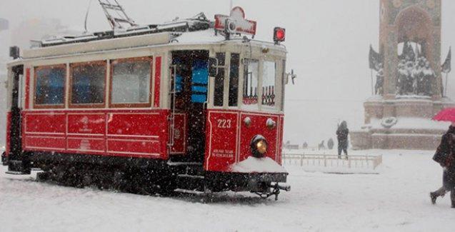 İstanbul'da yarım metre kar