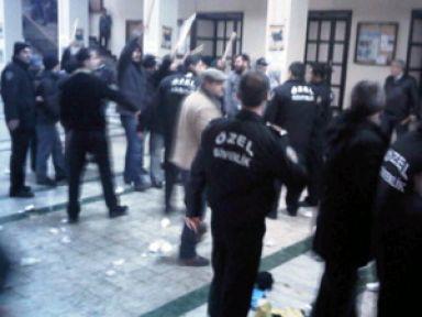 İstanbul Üniversitesi'nde kavga