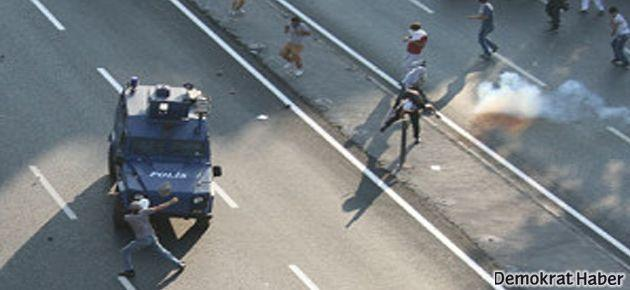 İstanbul'da BDP yürüyüşüne polis müdahalesi!