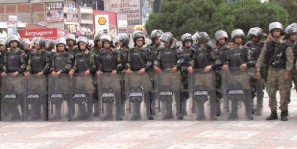 İstanbul'da da asker şehre indi!