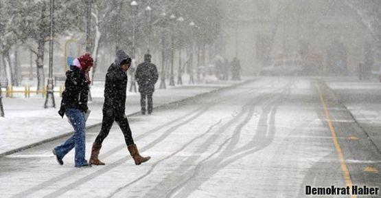 İstanbul'da kar nedeniyle okullar tatil