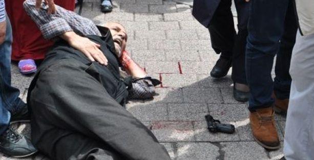 İstanbul'da Öcalan standına silahlı saldırı