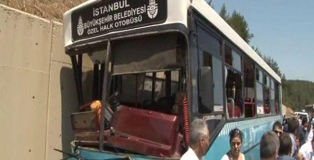 İstanbul'da özel halk otobüsü kaza yaptı