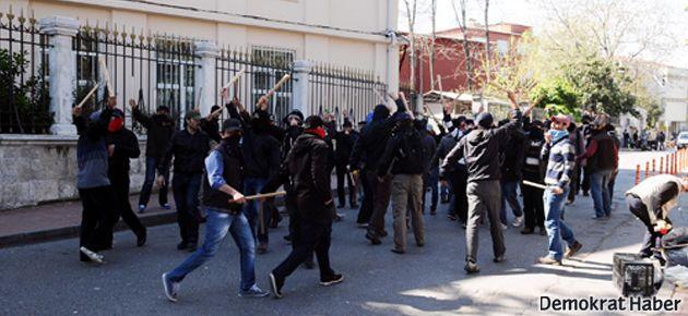 İÜ'de, 'Yaşasın Şeriat' sloganıyla öğrencilere saldırı