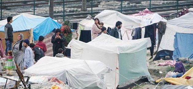İstanbul'da yol kenarlarında mülteci kenti