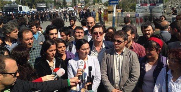 İstanbul'dan Suruç'a gitmek isteyen HDP'lilere polis engeli
