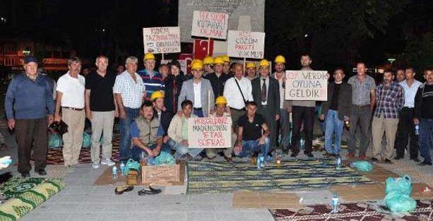 İşten çıkarılan arkadaşları için eylem yapan 576 işçi de işten atıldı!
