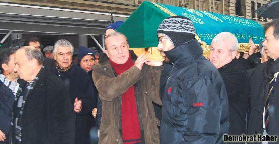 İstifa etmiş sayılan öğretim görevlisi yaşamını yitirdi