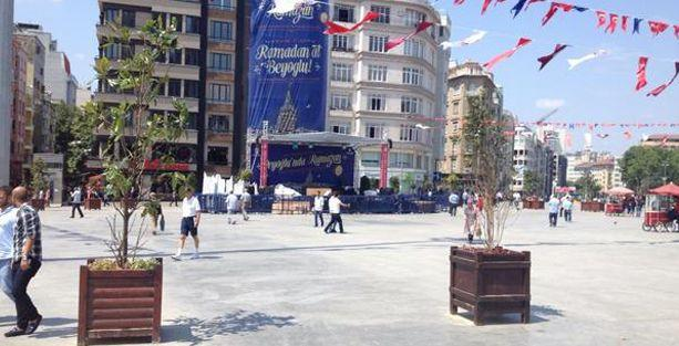 İstiklal'i bitirdiler, Taksim'i 'ağaçlandırdılar'